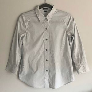 Theory Falai Light Grey Dress Shirt w/ 3/4 Sleeves